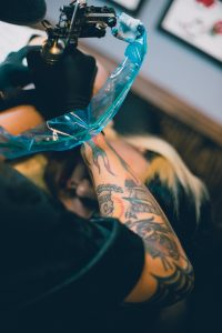 risiken von tattoos